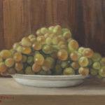 G.Mozzanica, uva bianca su piatto bianco, 1970, olio su legno multistrato 4 mm, 34x24 cm, pinacoteca - Fondazione Giuseppe Mozzanica